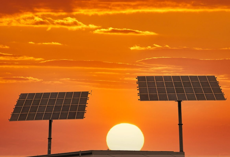 Mua tấm pin năng lượng mặt trời gia đình ở đâu